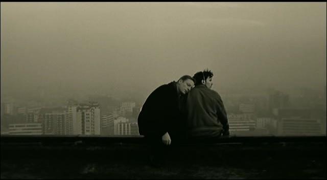 fotograma de la película de Wim Wenders: el cielo sobre Berlin