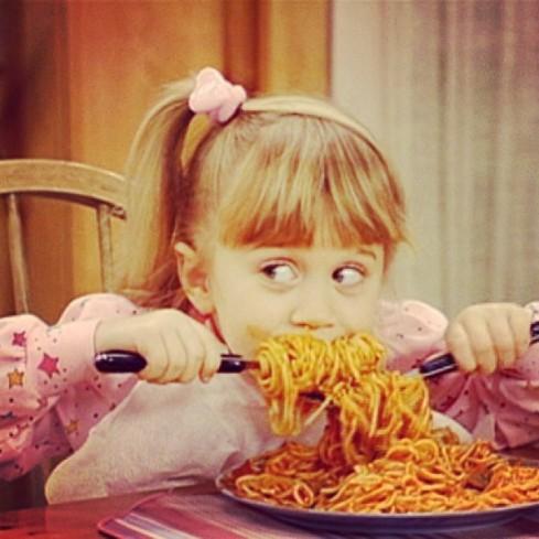 comer espaguetti